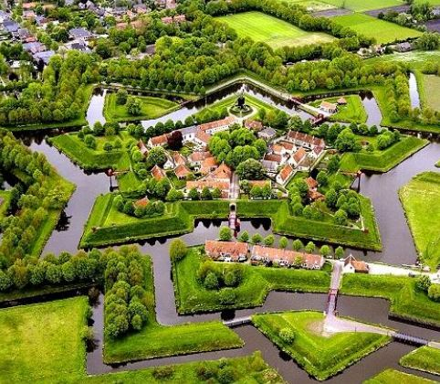 Visiting Holland? Take Mr Waterloos private tour!